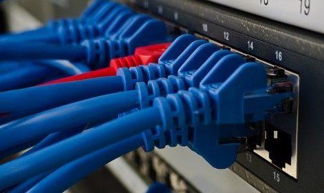 Netwerkkabels; in allerlei soorten.